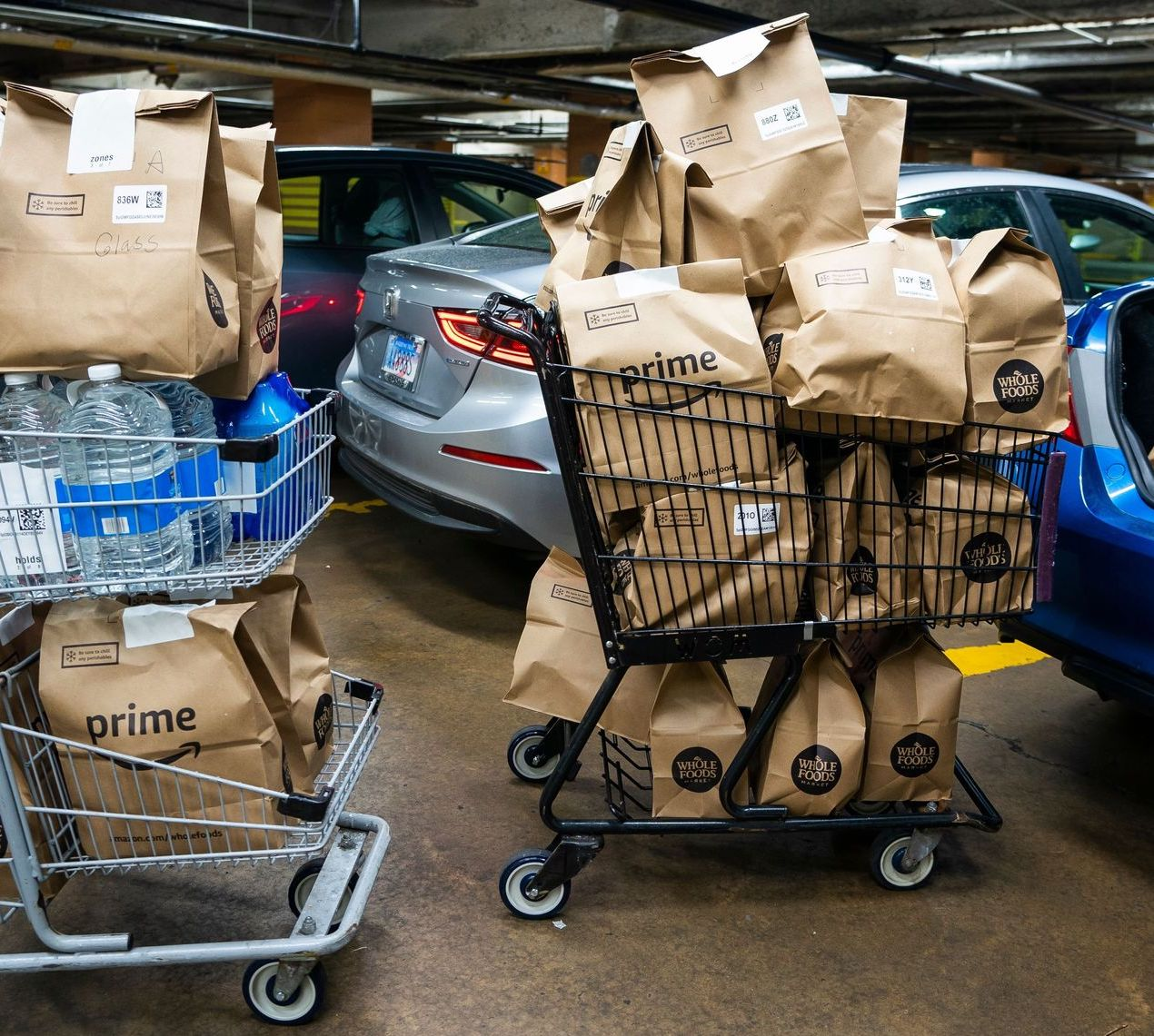 whole foods amazon prime grocery delivery bags in shopping carts