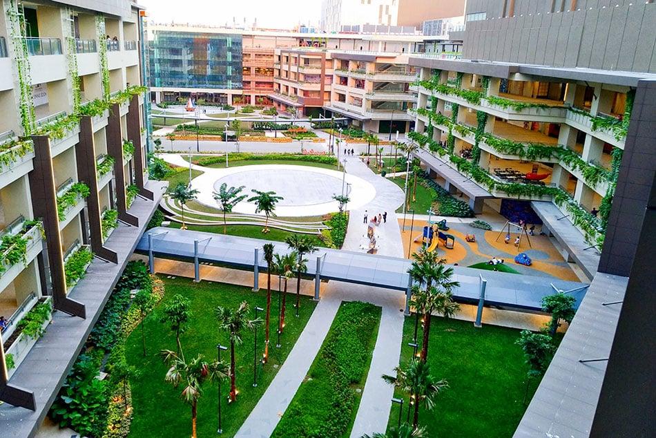 ayala-malls-manila-bay