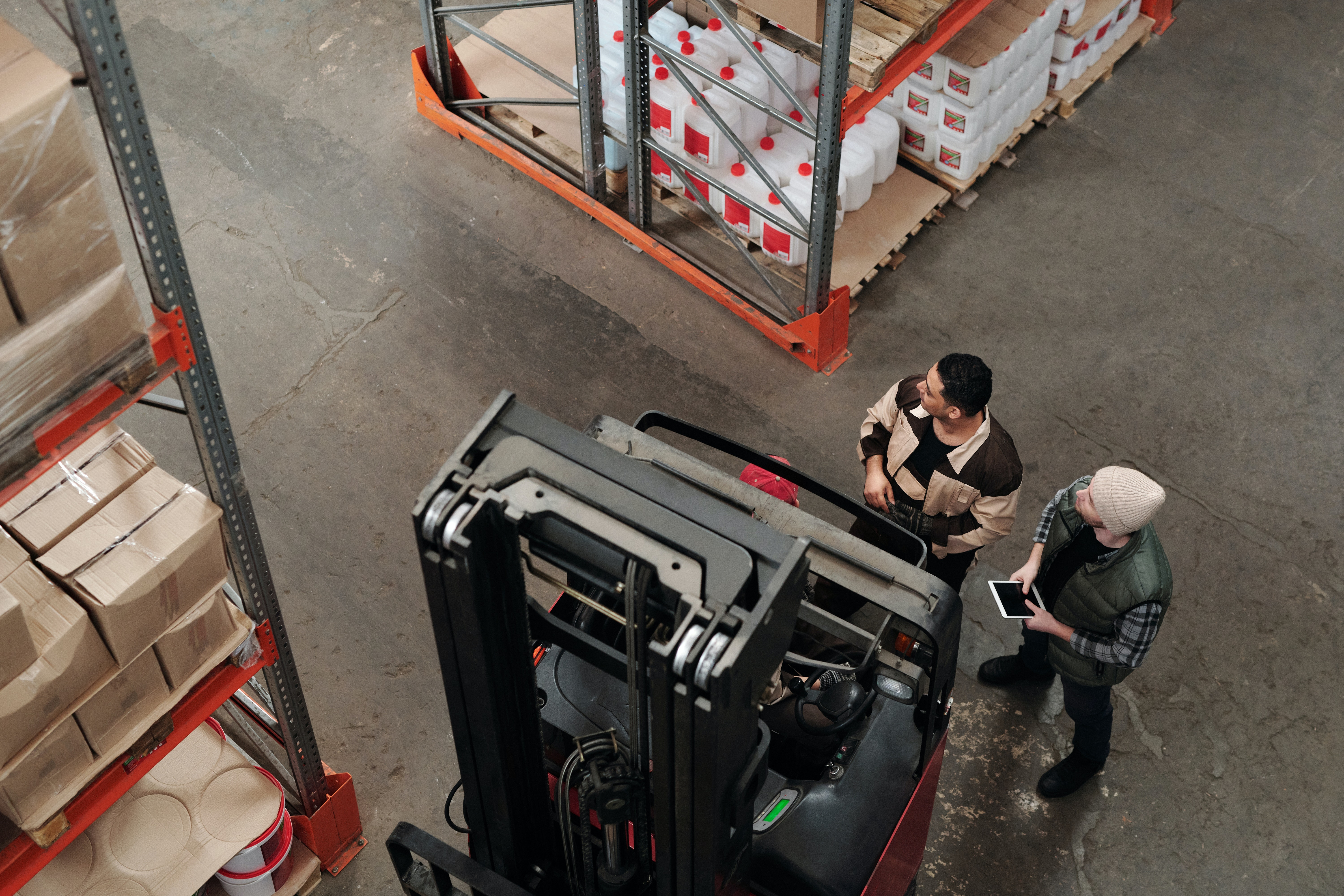 warehouse workers asset tracking
